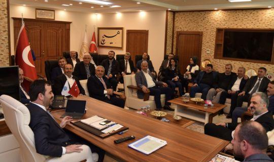 AK Parti il yönetiminden Başkan Özlü'ye ziyaret