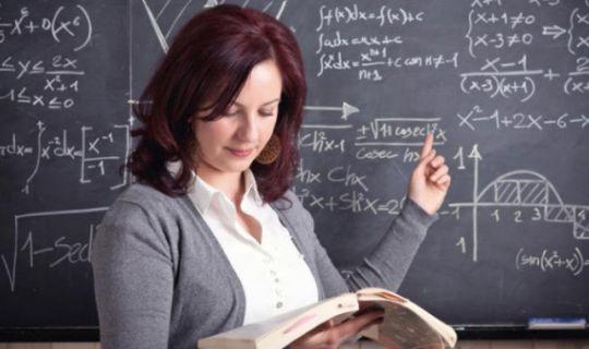 Öğretmenlerin ara tatillerde de 'ek ders' ücreti kesilmeyecek