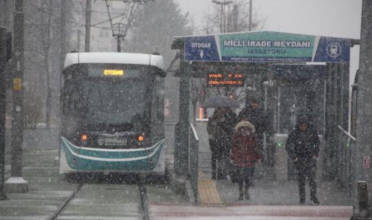 Otobüs ve tramvaylar, kış tarifesine geçti