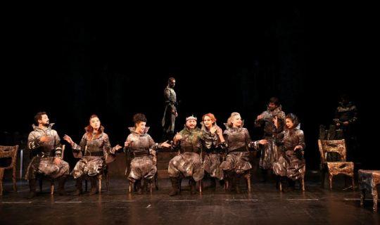 Macbeth, kapalı gişe oynuyor,
