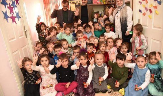 Başkan Özlü, Minik Öğrencilerle Buluştu