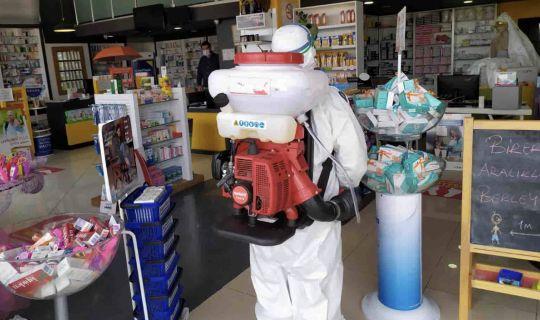 Sokağa çıkma yasağında açık işyerleri dezenfekte ediliyor