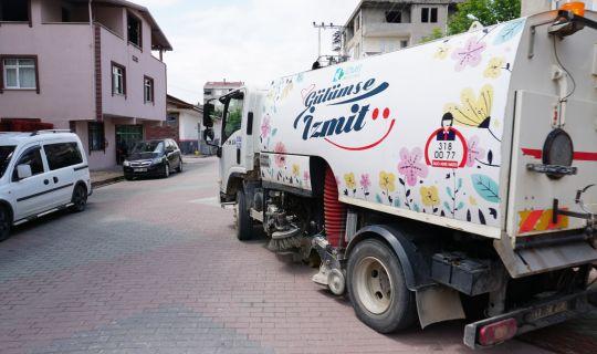 İzmit Belediyesinden Sanayi Mahallesi'nde   3 farklı ekiple hummalı çalışma