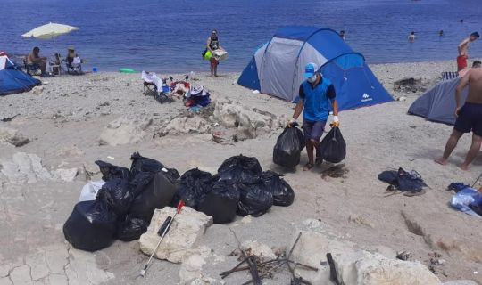 Hafta sonu Kandıra sahillerinden  250 ton atık toplandı