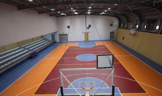 Orhangazi Spor Salonu'ndan yüzlerce genç yararlanacak