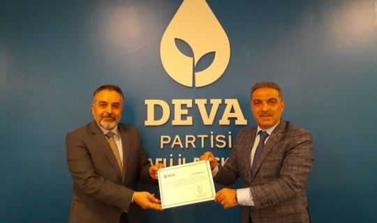 Körfez'in usta siyasetçisi Bozkurt, DEVA'nın ilçe başkanı