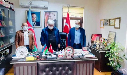 Azerbaycan'ın zafer mutluluğunu paylaştılar
