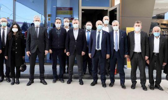 """Başkan Büyükakın, """"AK Parti, Türkiye'nin ve milletin partisidir"""""""