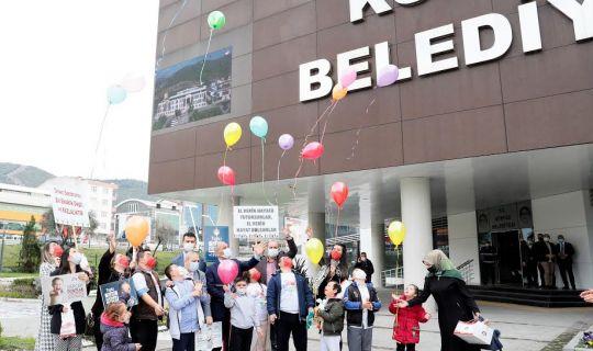 Farkındalık için balon uçurdular