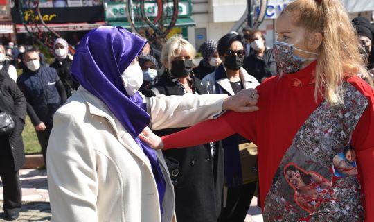 İzmit Belediyesi, kadın cinayetlerine sanatla dikkat çekti