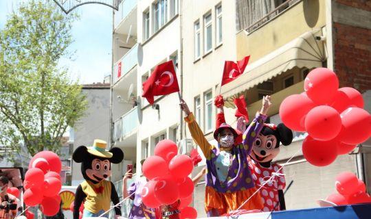 Kocaeli Şehir Tiyatroları çocuklara bayram havası yaşattı