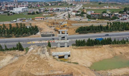 Gebze'deki dev projede yol genişletme ve köprü inşası
