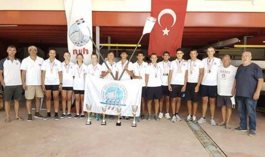 Hereke Nuh Çimento Kürek takımı Türkiye şampiyonu