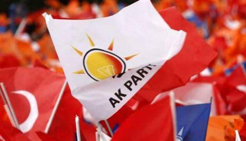 AKP Başiskele'de 8 meclis üyesi adayı çekildi