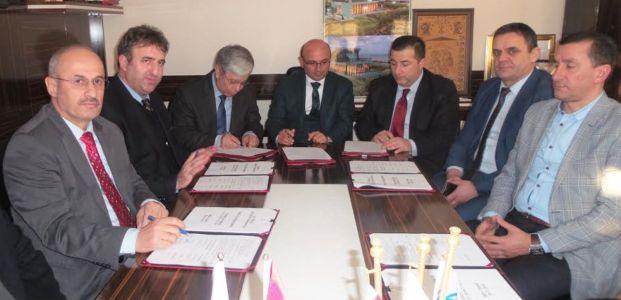 Altınova'da sözleşme sevinci