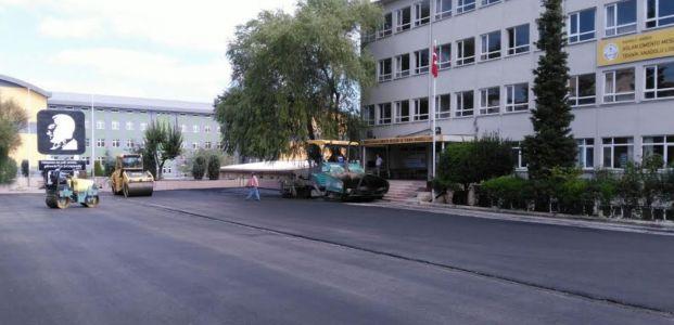 Aslan Çimento Meslek Lisesi'ne asfalt