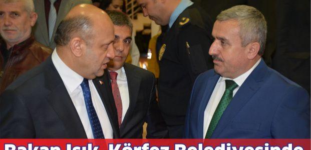 Bakan Işık Körfez Belediyesini ziyaret etti