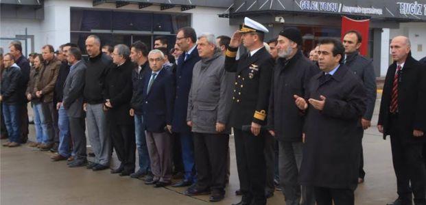 Başkan Karaosmanoğlu, şehidimizin naaşını karşıladı