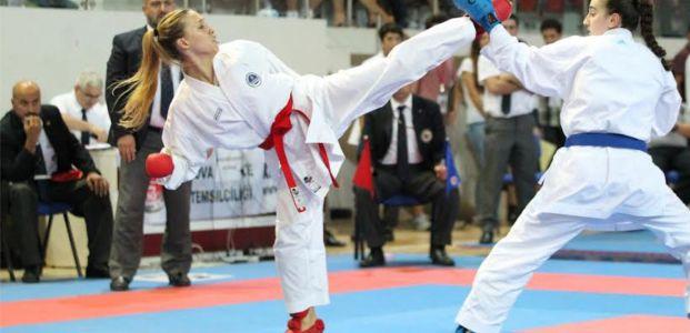 Büyükşehirli Karatecilerden 7 Türkiye Derecesi Geldi