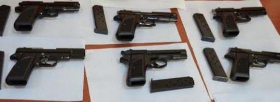 Derince'de 13 ruhsatsız tabanca ele geçirildi