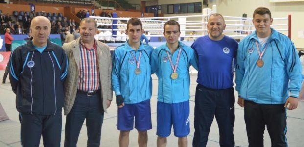 Dört boksör, İlk grupta finallere kaldı