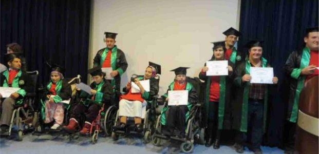 Engeller Aşıldı….Diplomalarını adlılar!