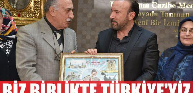 İzmit Belediye Başkanı Dr. Nevzat Doğan, Sivaslılar Derneği Başkanı Nevzat Kaleli ve yönetimini makamında misafir etti.