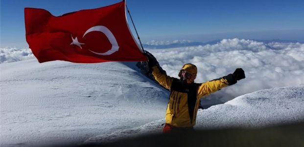 Kocaelili dağcılar Avrupa'nın en yüksek dağında