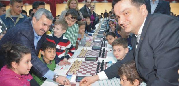 Körfez'li Minikler Satranç Turnuvasında Buluştu
