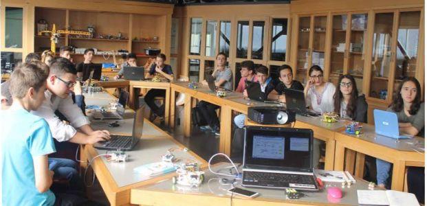 Liseliler robot yazılımını öğreniyor