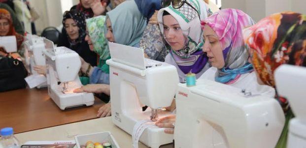 Mefruşat ve giyim hocalarına son teknolojide eğitim