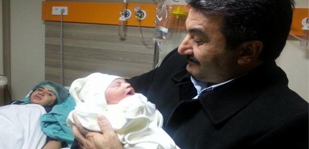MEHMET IRAK 'dede'   oğlu Yusuf İslam 'baba' oldu