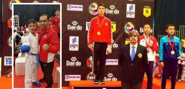Ömer Özer Dünya Şampiyonu oldu