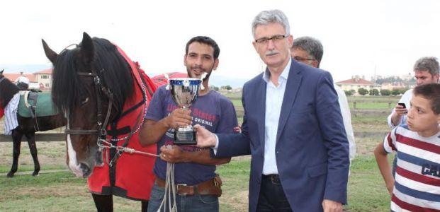 Rahvan At Yarışları İhsaniye Koşusu Nefes Kesti