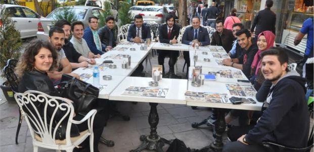Saadet Partisi vekil adayları üniversiteli gençlerle buluştu