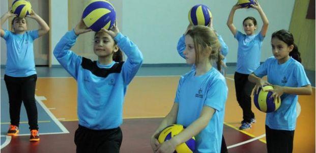 Spor Okulları'nda filenin yıldızları yetişiyor
