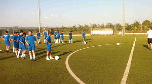 Kartepe'de spor okullarında eğitimler devam ediyor