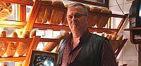 Adnan Menderes'e ait taş plağı 53 yıldır saklıyor