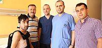 Afgan öğrenci Türk hekimlere emanet