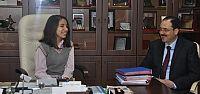 Başkan Ayaz'ın koltuğunda Gizem başkan