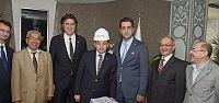 Başkan Üzülmez'e baretli ziyaret