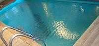 Havuza düşen kadın kurtarılamadı