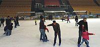Ücretsiz buz pateni kurslarına büyük ilgi