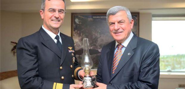Tuğamiral Kızılelma'dan, Başkan Karaosmanoğlu'na ziyaret