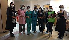 İzmit Belediyesinden   hemşirelere karanfil