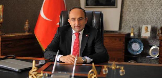 """Üzülmez, """"Atatürk'ü rahmet ve minnetle anıyorum"""""""