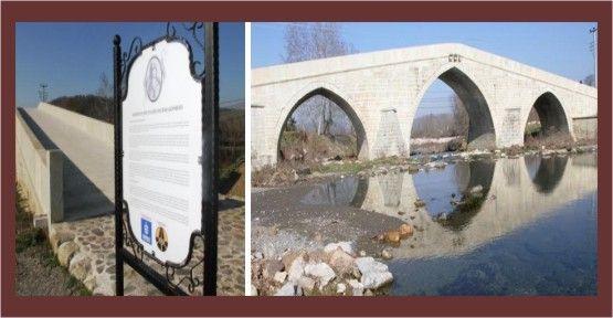 Valide Sultan Köprüsü'ne bilgi panosu