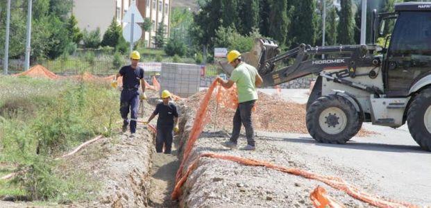 Yeşilkent Mahallesinde elektrik hatları yeraltına alınıyor